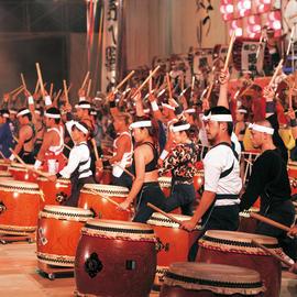 日本一の三百人揃い打ち岡谷太鼓まつり